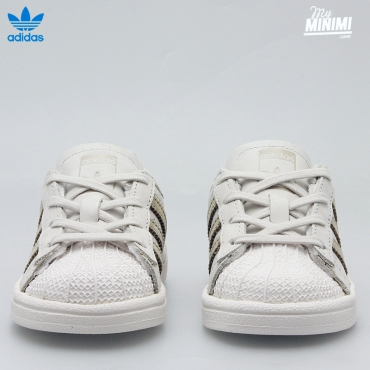 Photo adidas Superstar fashion - du 18 au 27 - beige